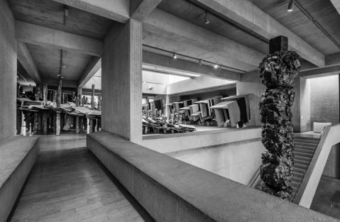 dmac sculpture gallery interior